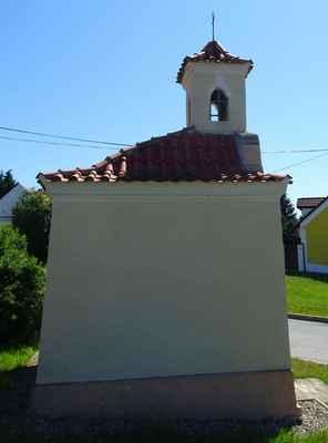 Bašť - kaple se zvoničkou - B - pozdně barokní