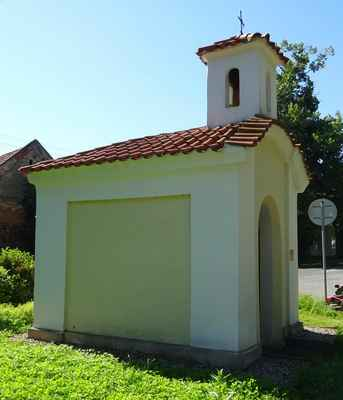 Bašť - kaple se zvoničkou Baštěk - AB - pozdně barokní