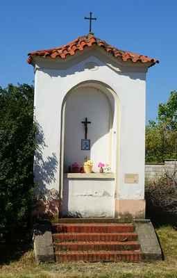 Bašť - výklenková kaple - A - Bašť, Hlavní / Mělnická
