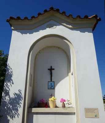 Bašť - výklenková kaple - A1 - vlastní ČEZ Distribuce