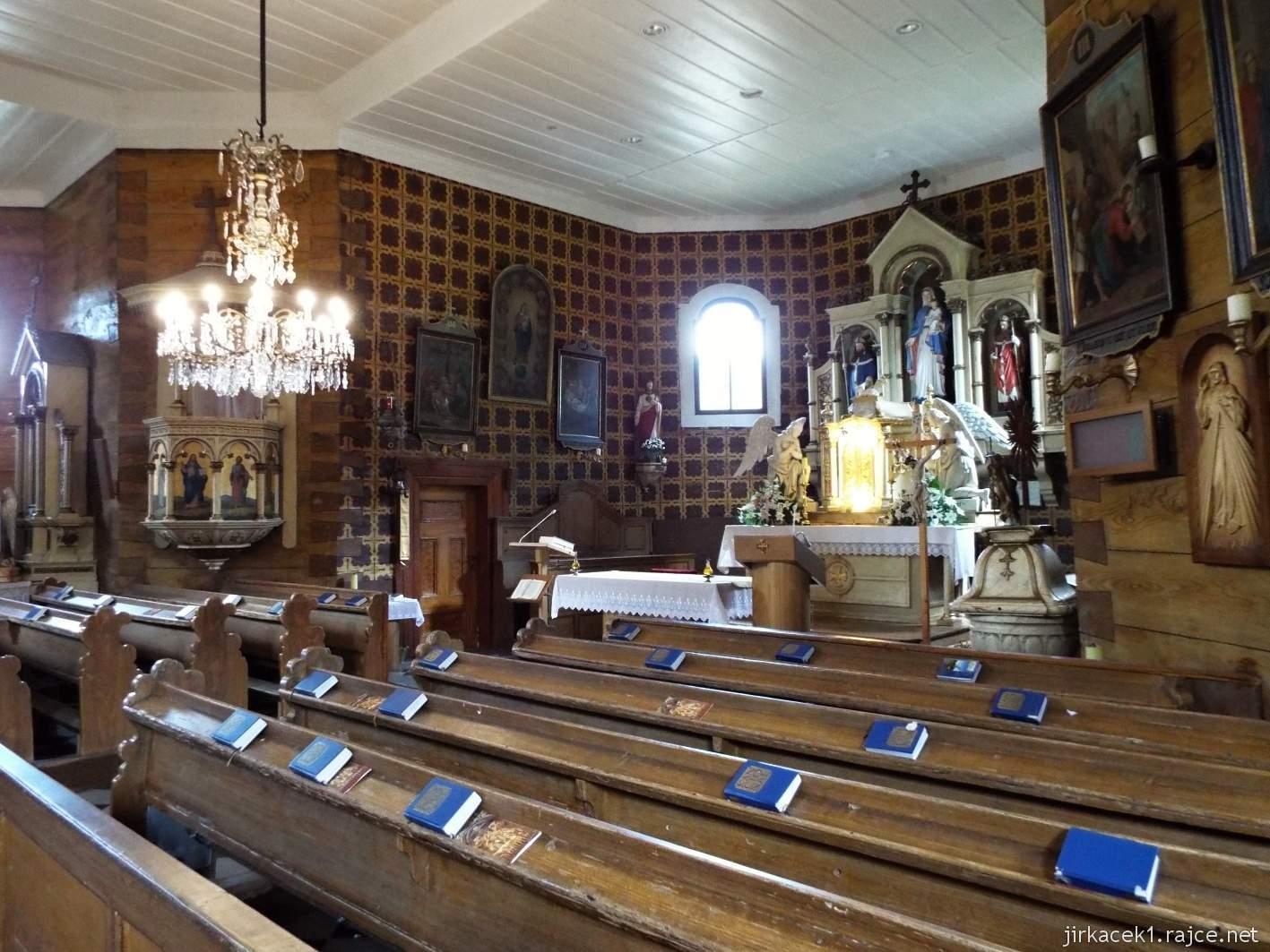 Velké Karlovice - Kostel Panny Marie Sněžné 21 - interiér kostela - celkový pohled