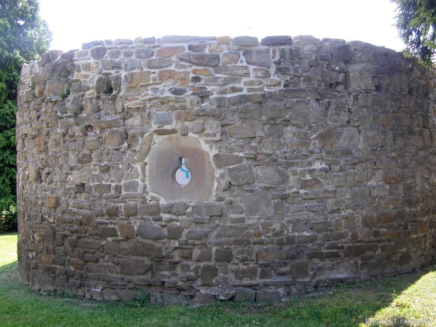 Hlučín - hradby 02 - bašta v ulici na Valech