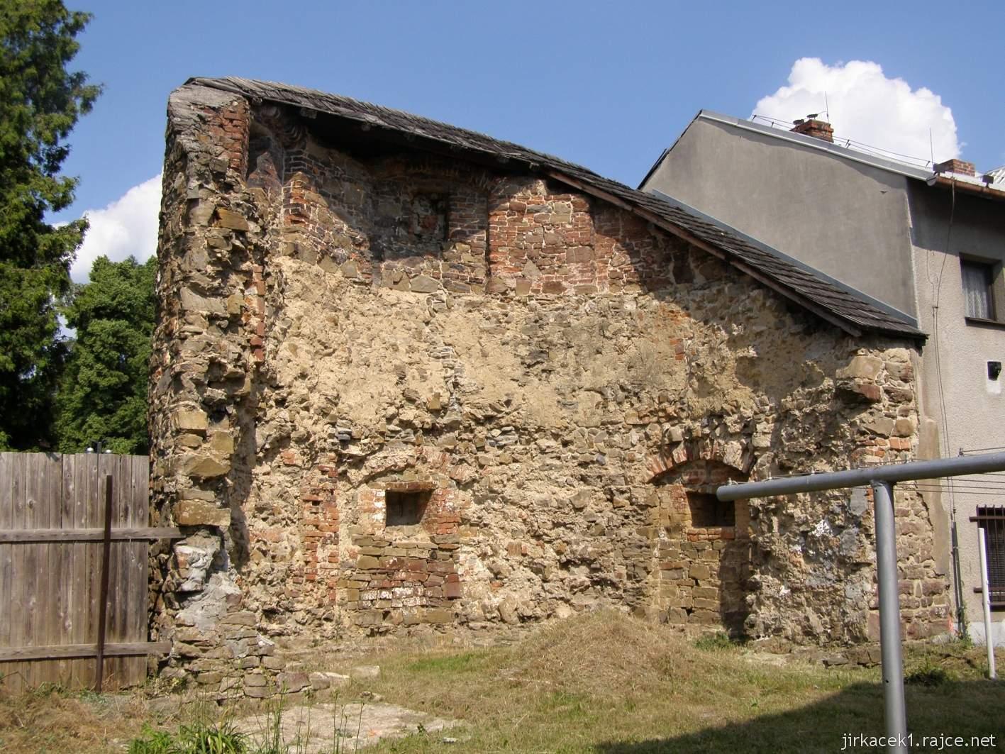Hlučín - hradby 08 - bašta v ulici na Valech