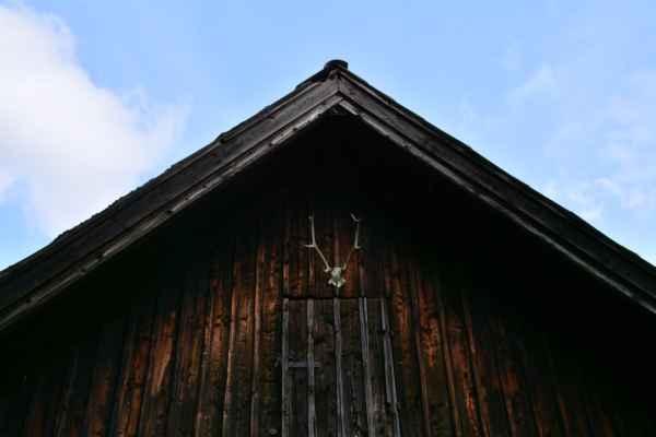 Lovecká chata Václavka - Leží 800 m jihovýchodně od břehů Hořejšího Padrťského rybníka.