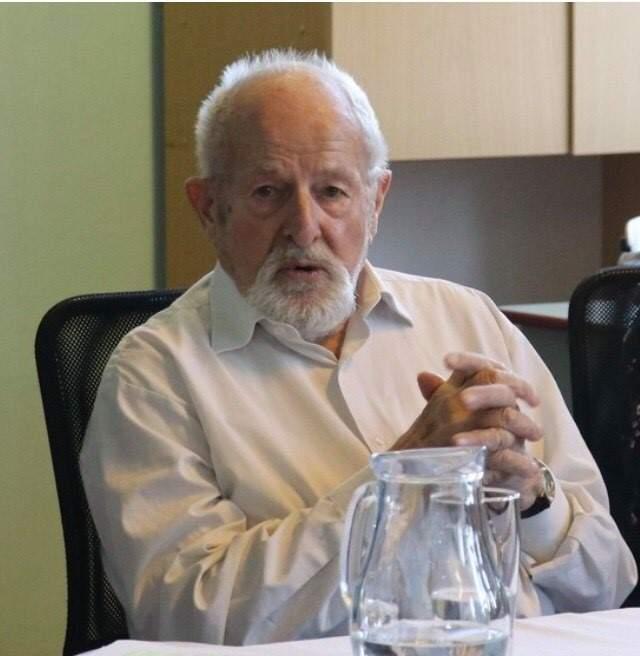 Zdeněk Jičínský na besedě v roce 2019. Foto: Archiv EKO Gymnázia a SOŠ Multimediálních studií Poděbrady.