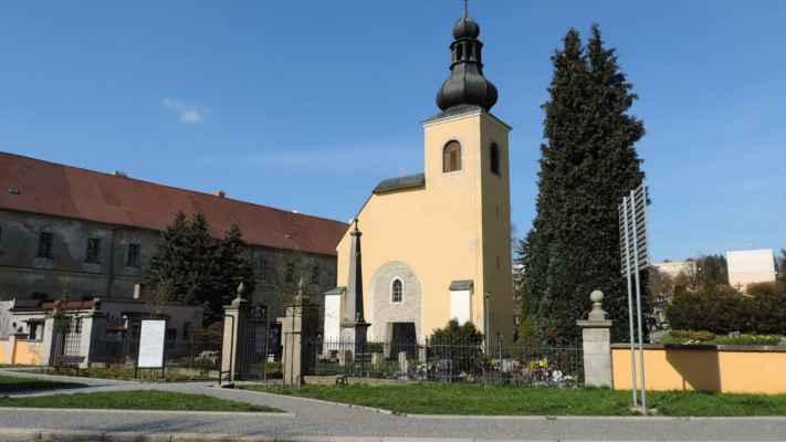 Hřbitovní kaple Narození Panny Marie.