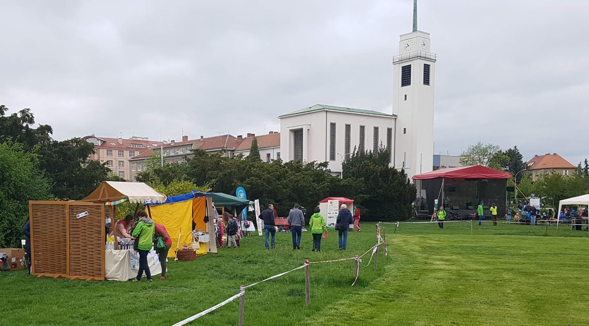 Na Kraví hoře v Brně se dnes slavil Den Země. Foto: Anežka Horová.