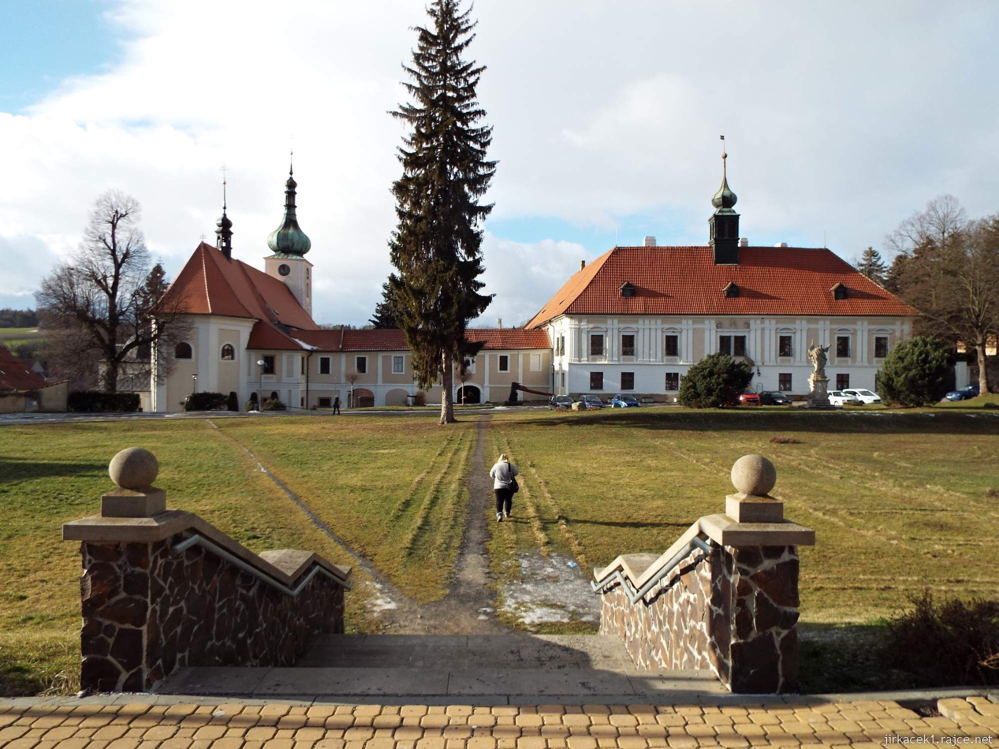 zámek Konice 01 - pohled na zámek a kostel Narození Panny Marie