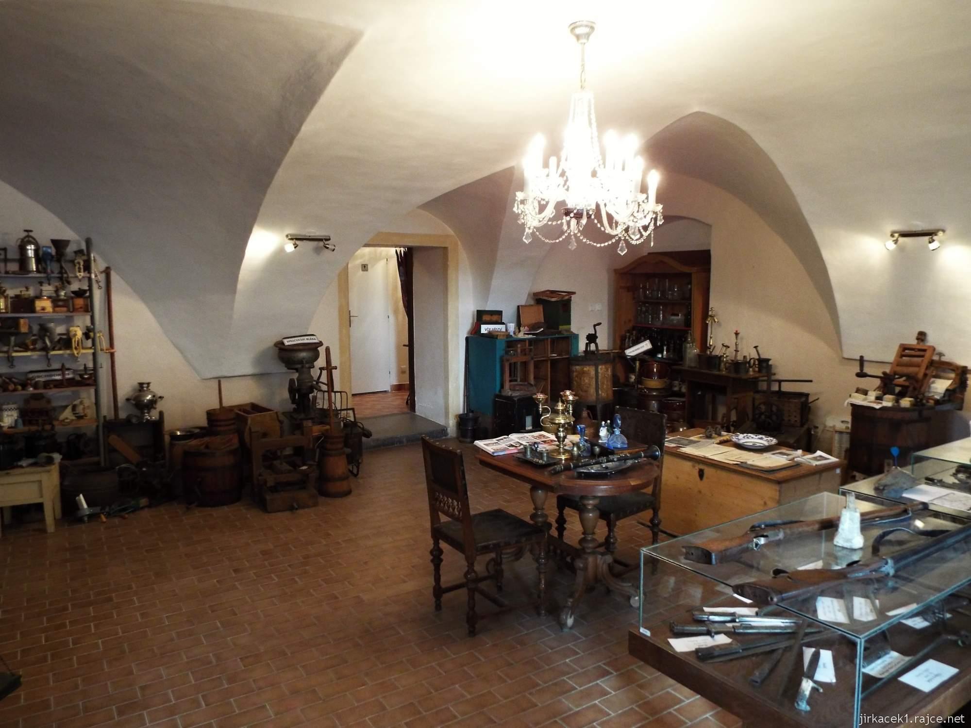 A - zámek Konice 08 - muzeum řemesel v 1.místnosti