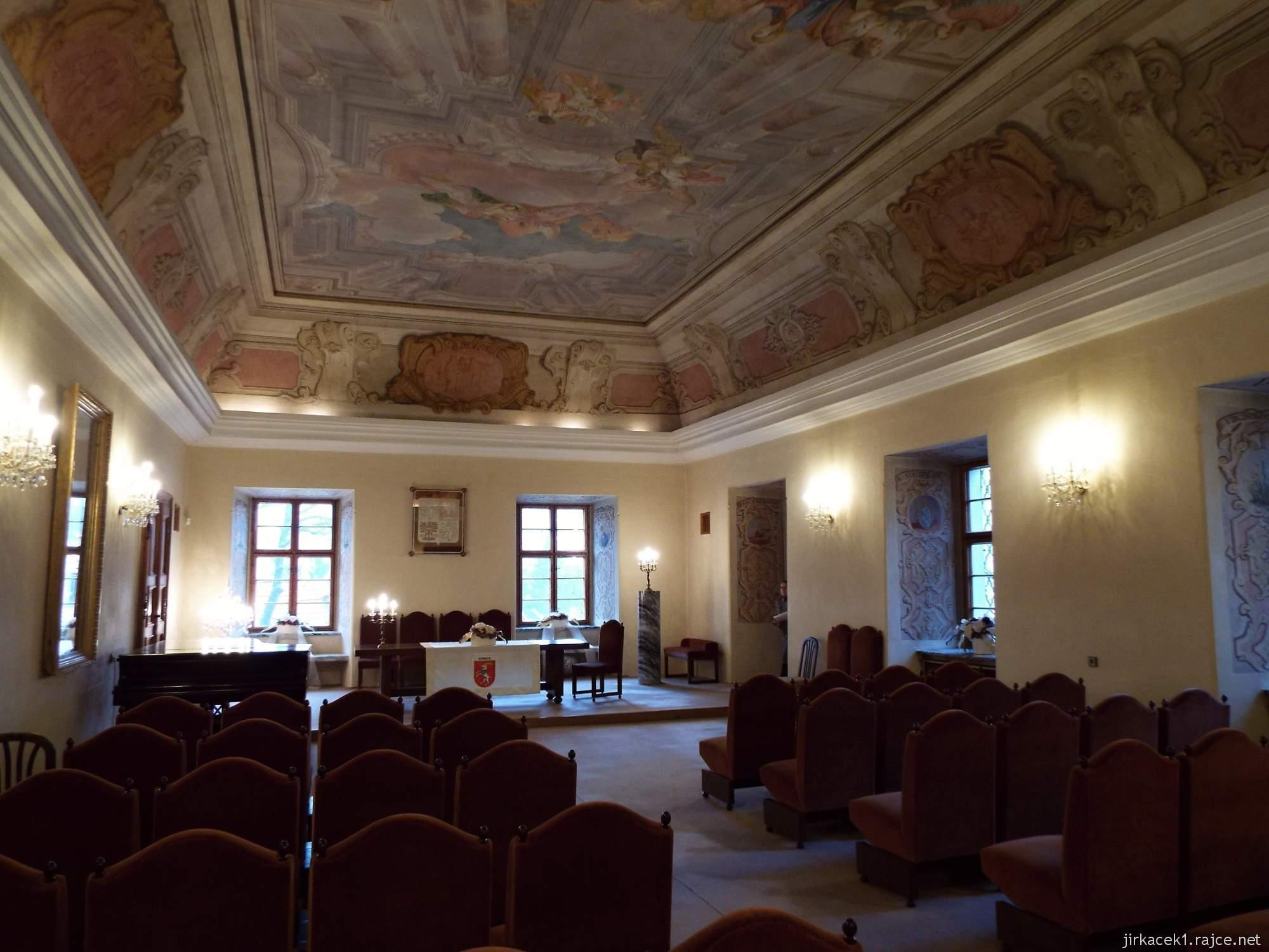 A - zámek Konice 62 - bývalá jídelna řádových bratří a dnešní obřadní síň