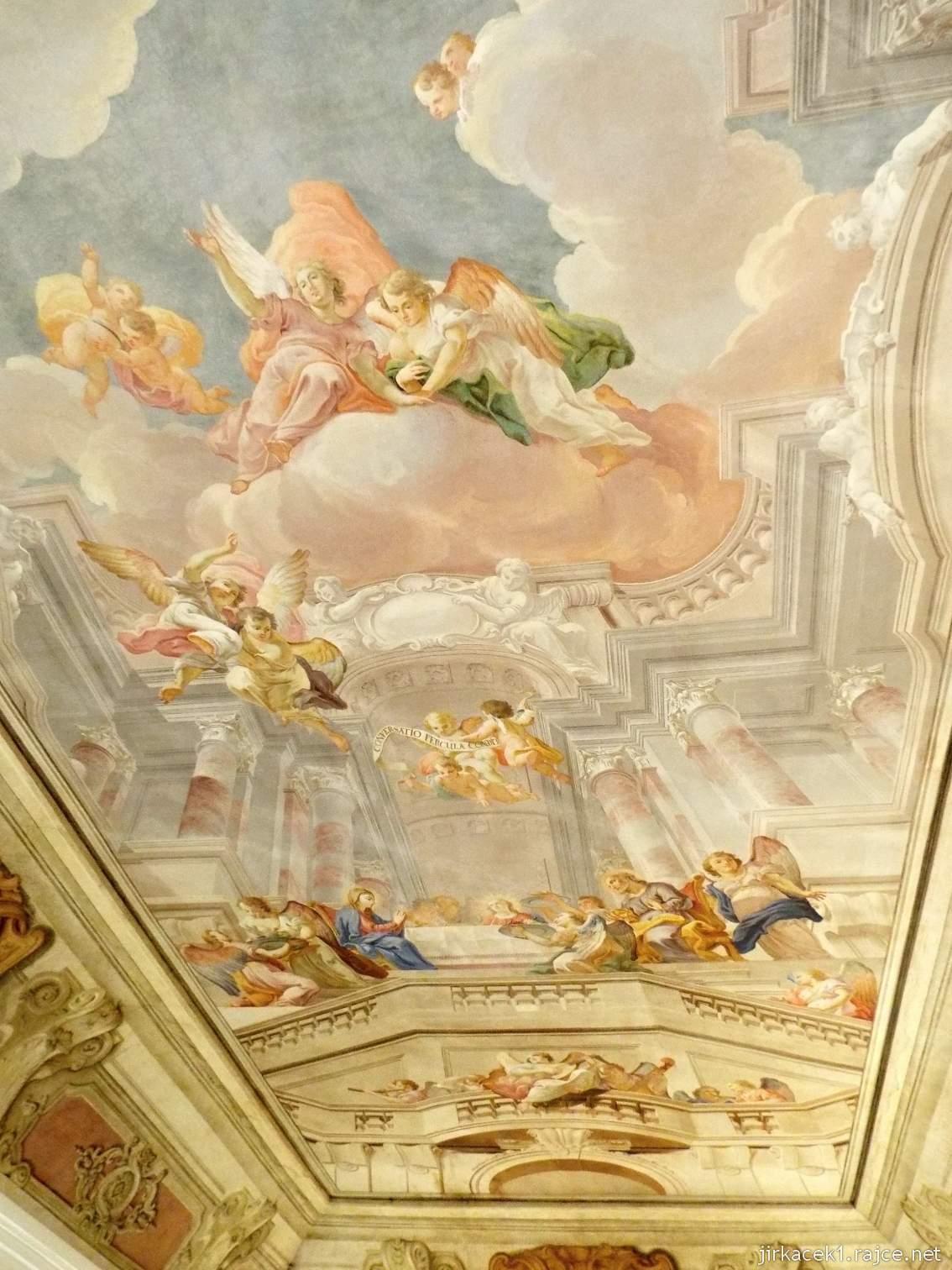 A - zámek Konice 65 - bývalá jídelna řádových bratří - freska na stropě Stolování Svaté rodiny