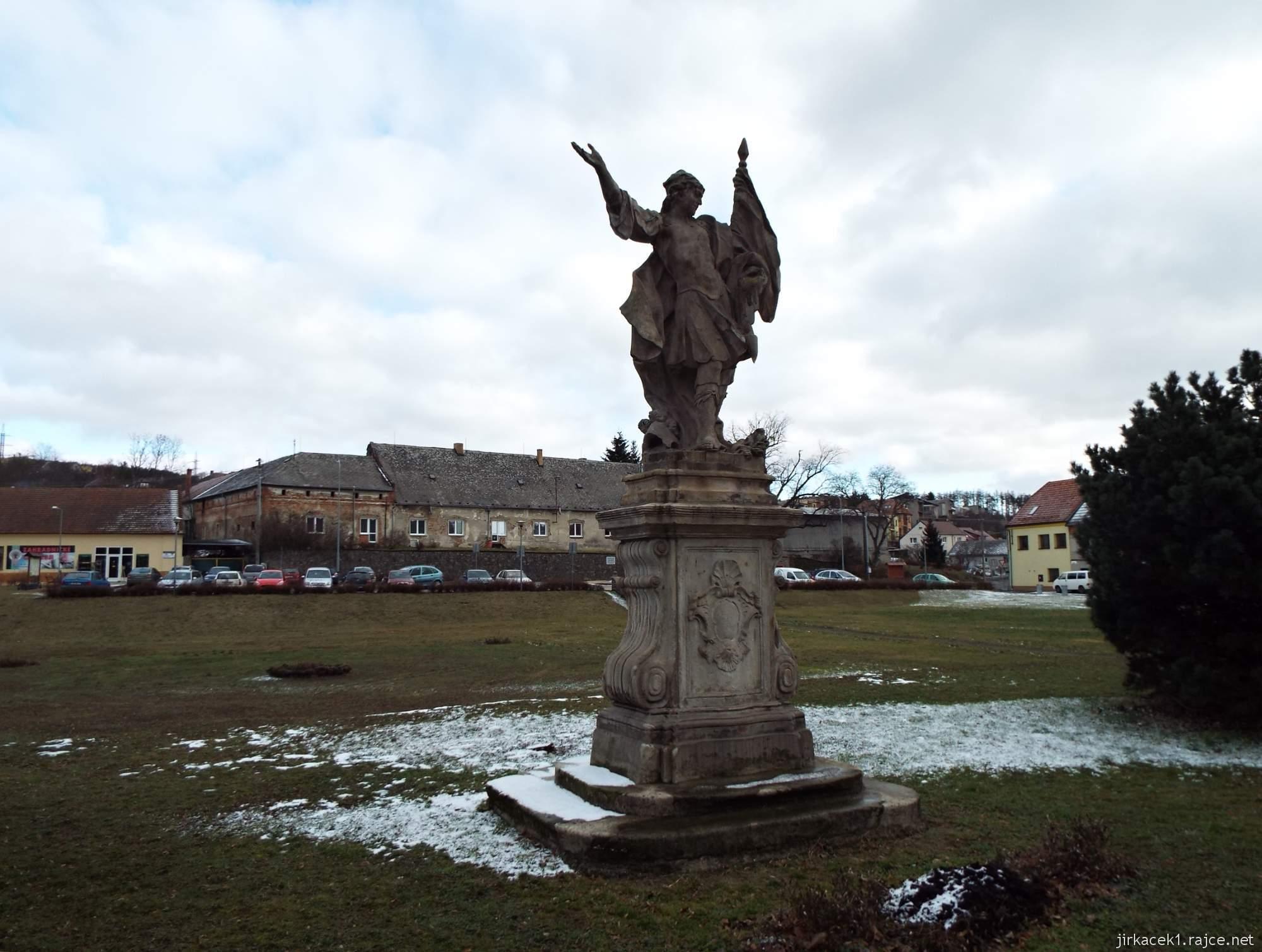 A - zámek Konice 78 - socha sv. Floriána před zámkem